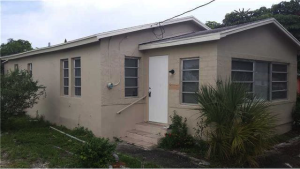 1.16 - 860 WEST 7TH STREET, RIVIERA BEACH (SOLD FOR $180,000)